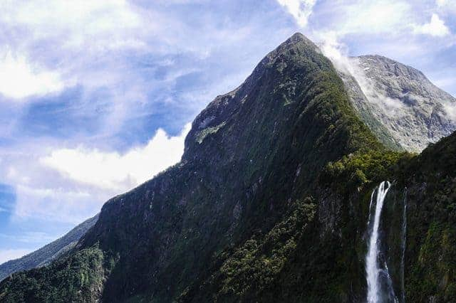 Admire the Stirling and Bowen falls within the Milford Sound Optional Excursion